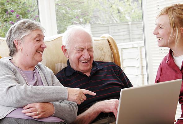 Meerderheid zestigplussers niet bewust van gevaren openbare wifi